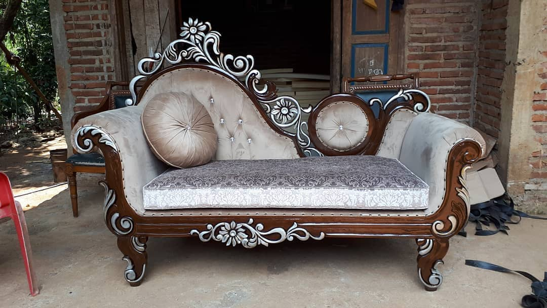 Kursi Sofa Santai Klasik