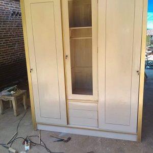 Lemari Pakaian Minimalis 3 Pintu White Duco