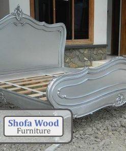 Tempat Tidur Jati Warna Abu