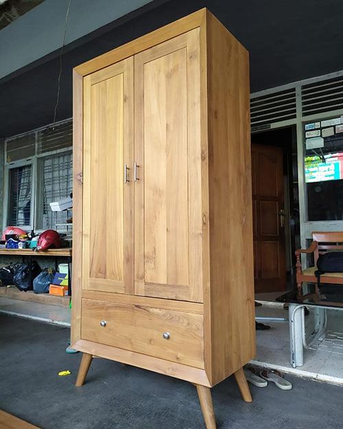 Almari Pakaian Dua Pintu Minimalis